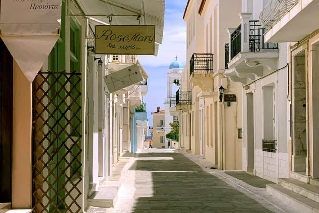 neoclassic houses in andros island